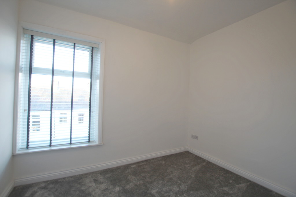 2 bedroom mid terraced house Under Offer in Accrington - photograph 10.