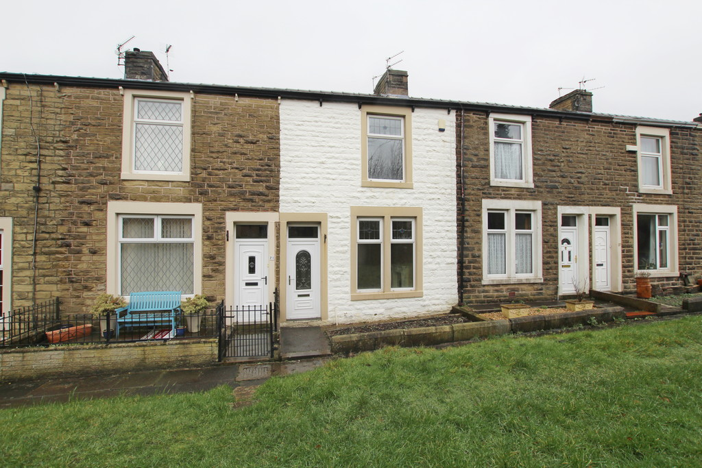 2 bedroom end terraced house Let Agreed in Accrington - Main Image.