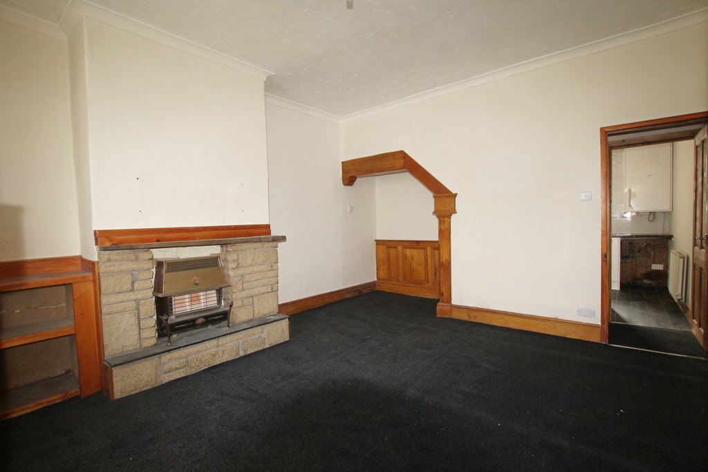 2 bedroom mid terraced house Let Agreed in Accrington - photograph 12.