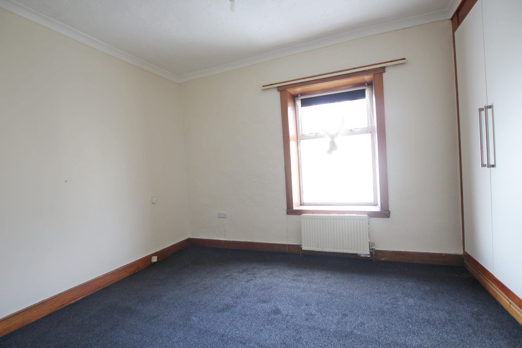 2 bedroom mid terraced house Let Agreed in Accrington - photograph 19.