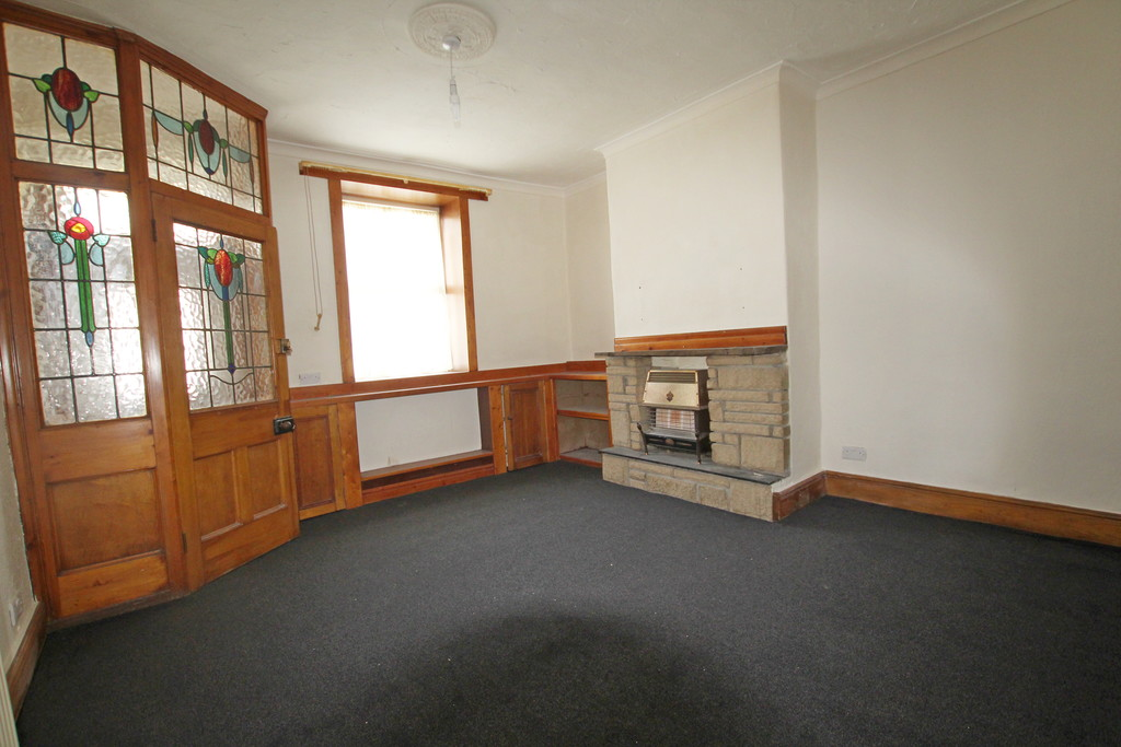 2 bedroom mid terraced house Let Agreed in Accrington - photograph 20.