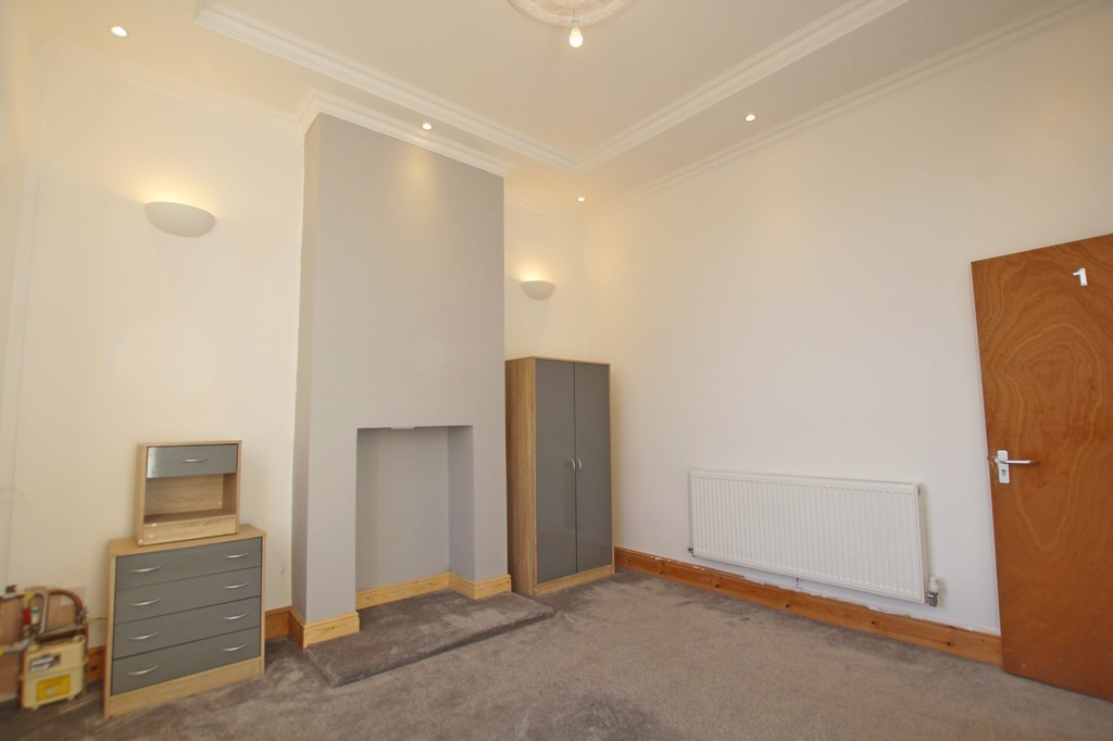1 bedroom shared flat flat To Let in Blackburn - photograph 3.