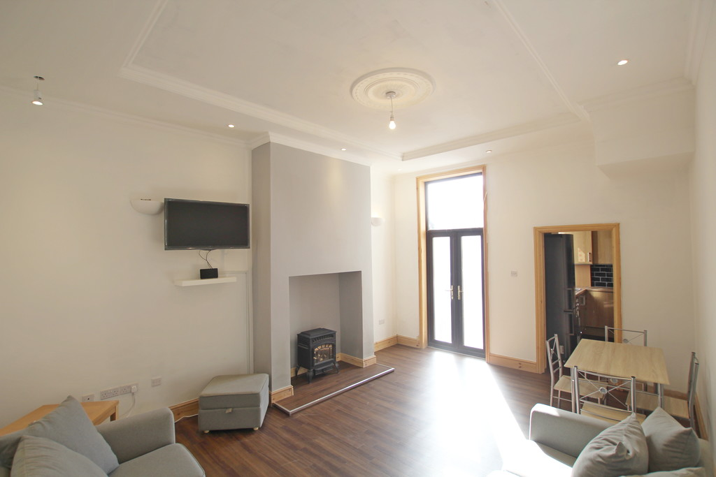 1 bedroom shared flat flat To Let in Blackburn - photograph 7.