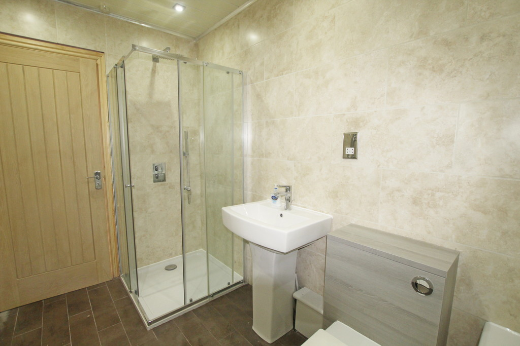 1 bedroom shared flat flat To Let in Blackburn - photograph 12.