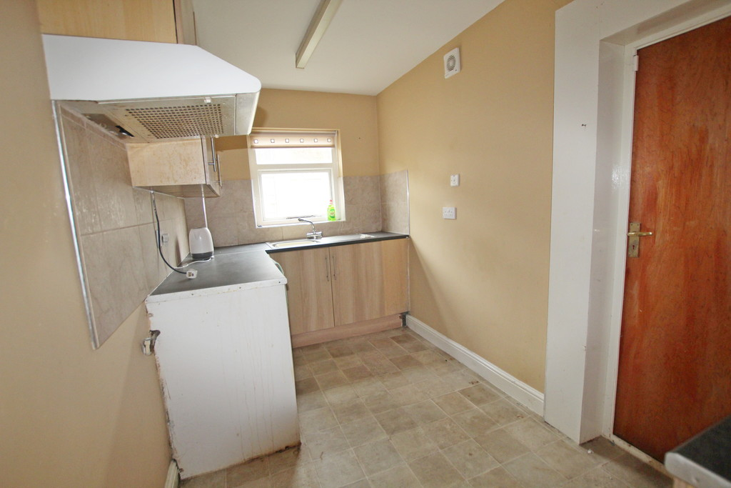 2 bedroom mid terraced house For Sale in Blackburn - photograph 10.
