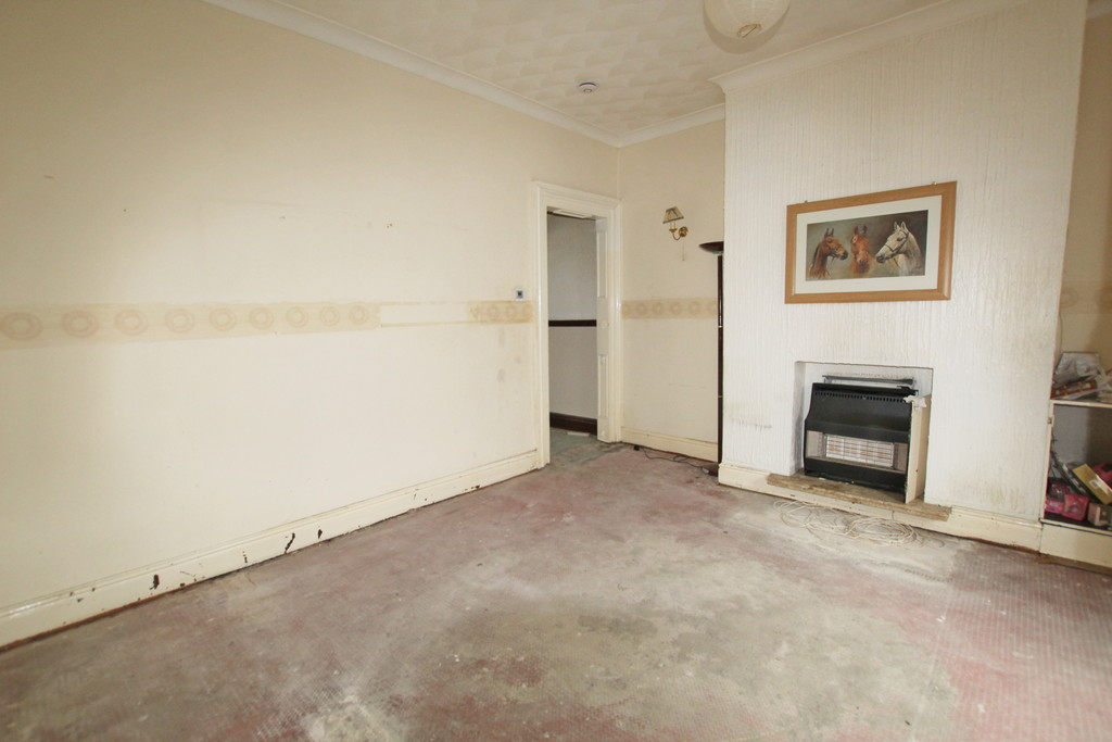 2 bedroom mid terraced house For Sale in Blackburn - photograph 2.