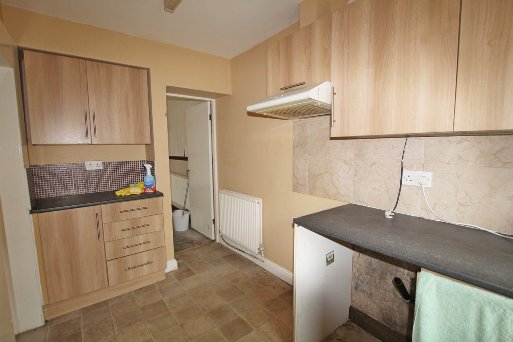 2 bedroom mid terraced house For Sale in Blackburn - photograph 4.