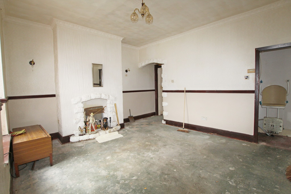 2 bedroom mid terraced house For Sale in Blackburn - photograph 5.