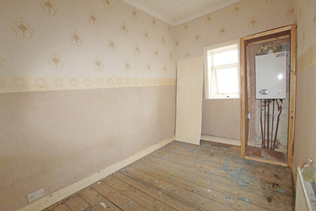 2 bedroom mid terraced house For Sale in Blackburn - photograph 7.