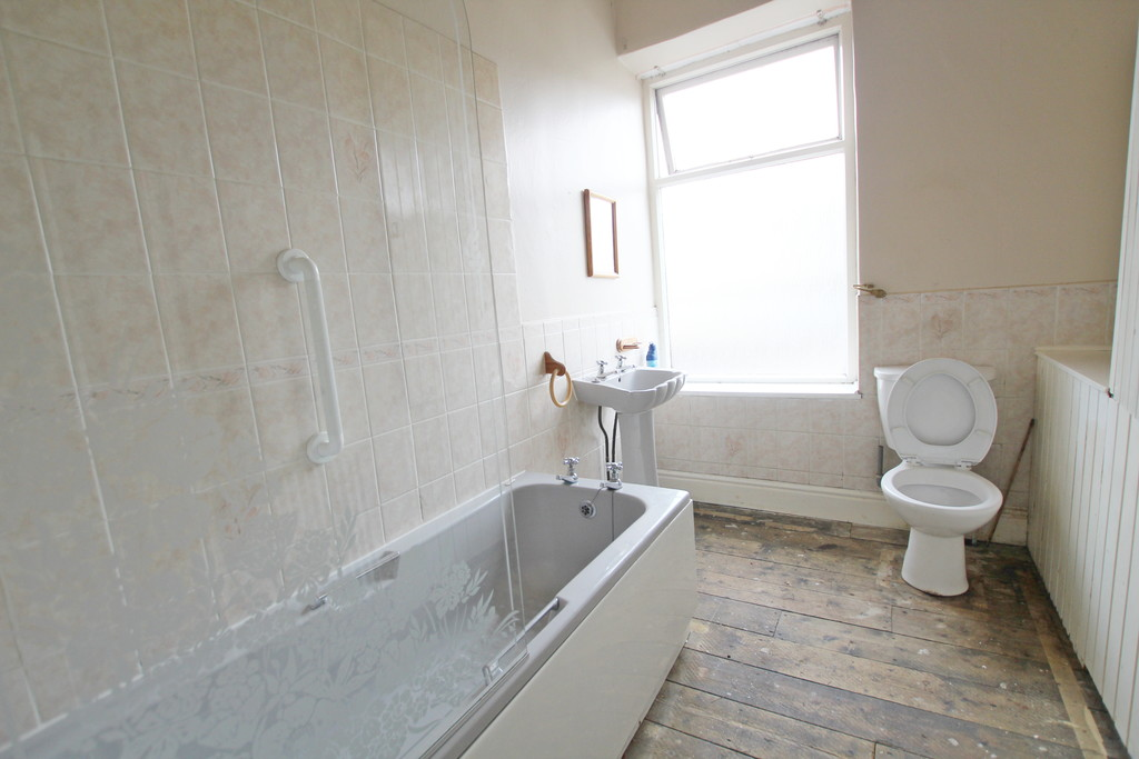 2 bedroom mid terraced house For Sale in Blackburn - photograph 8.