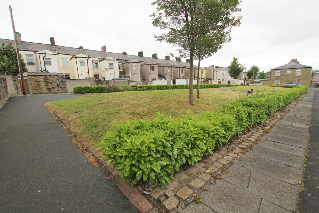 2 bedroom mid terraced house For Sale in Blackburn - photograph 9.