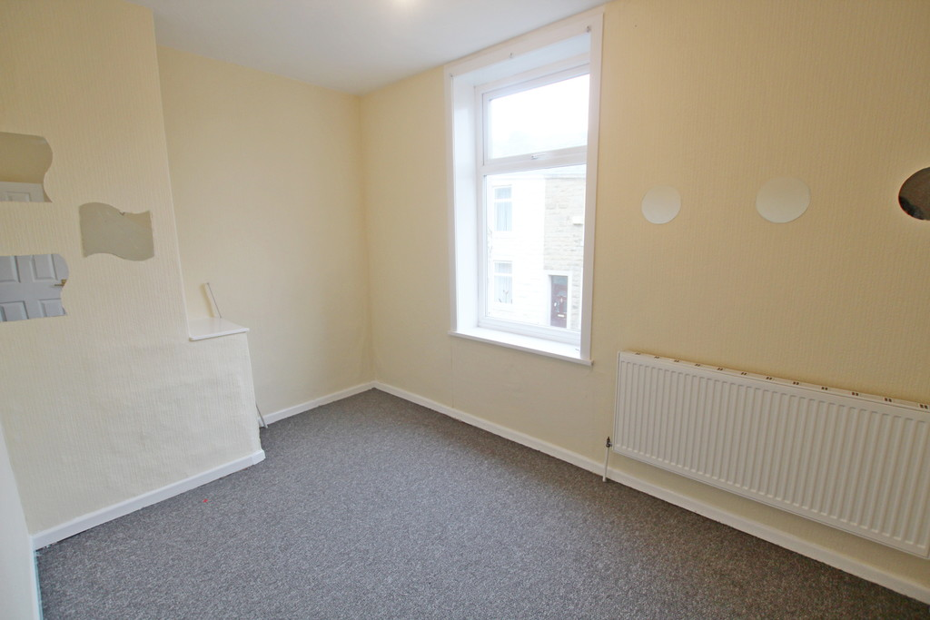 2 bedroom mid terraced house SSTC in Accrington - photograph 6.