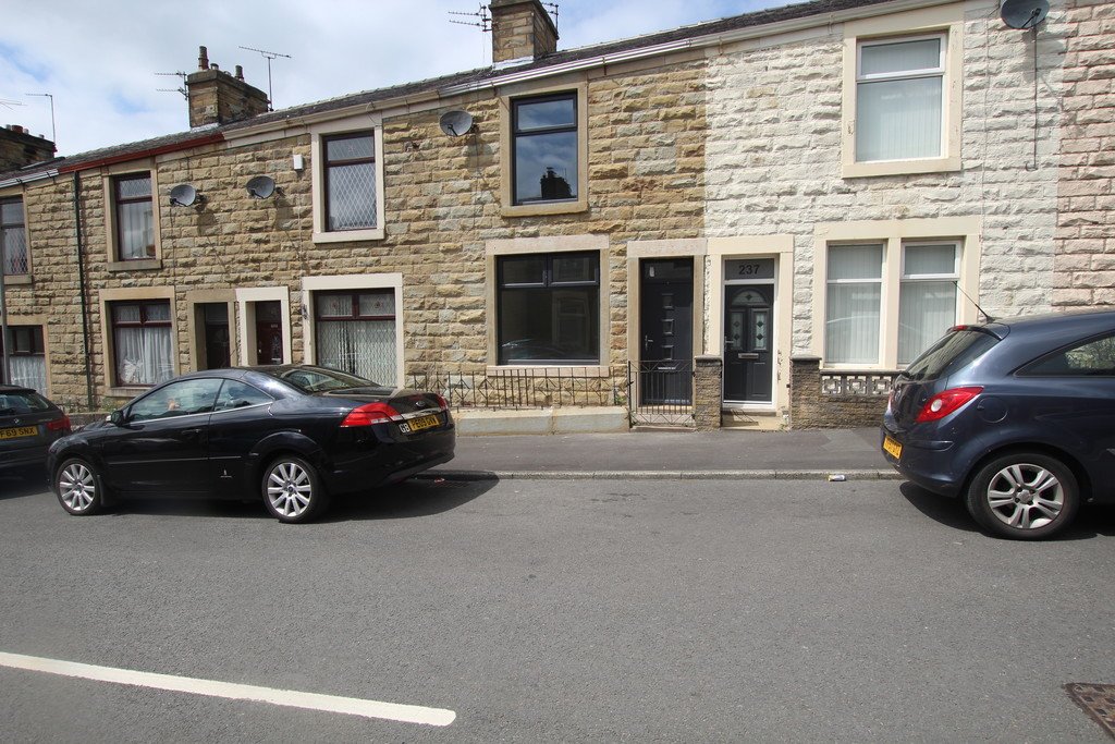 2 bedroom mid terraced house For Sale in Accrington - photograph 10.