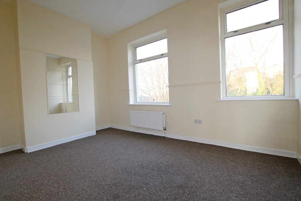 2 bedroom mid terraced house Under Offer in Accrington - photograph 7.