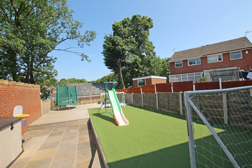 3 bedroom semi-detached house For Sale in Baxenden - photograph 4.