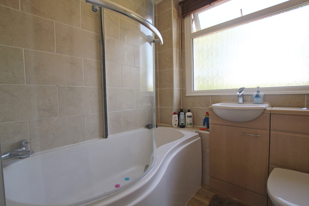 3 bedroom semi-detached house For Sale in Baxenden - photograph 9.