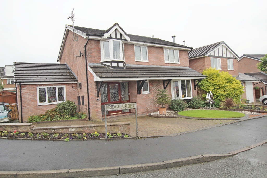 4 bedroom detached house Under Offer in Accrington - Main Image.