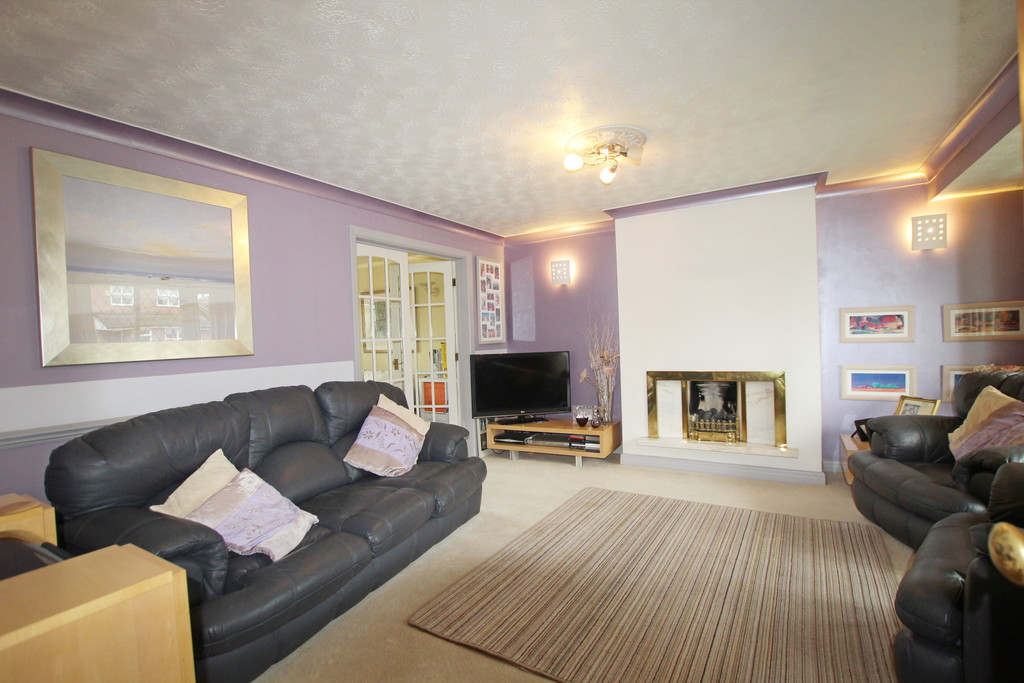4 bedroom detached house Under Offer in Accrington - photograph 2.