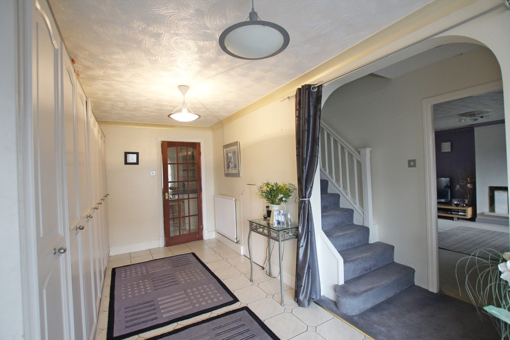 4 bedroom detached house Under Offer in Accrington - photograph 5.