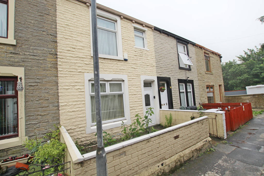 2 bedroom mid terraced house Sold in Accrington - photograph 1.
