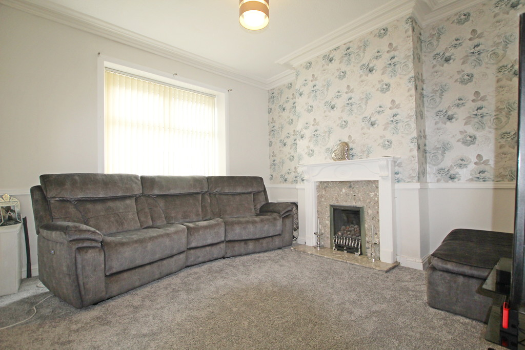 2 bedroom mid terraced house Sold in Accrington - photograph 3.