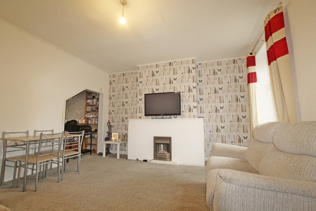 2 bedroom mid terraced house Sold in Accrington - photograph 8.