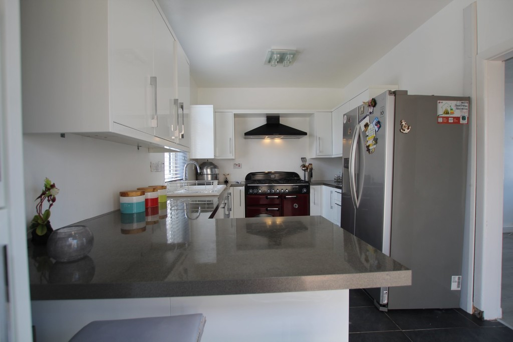 2 bedroom semi-detached house SSTC in Nelson - photograph 4.