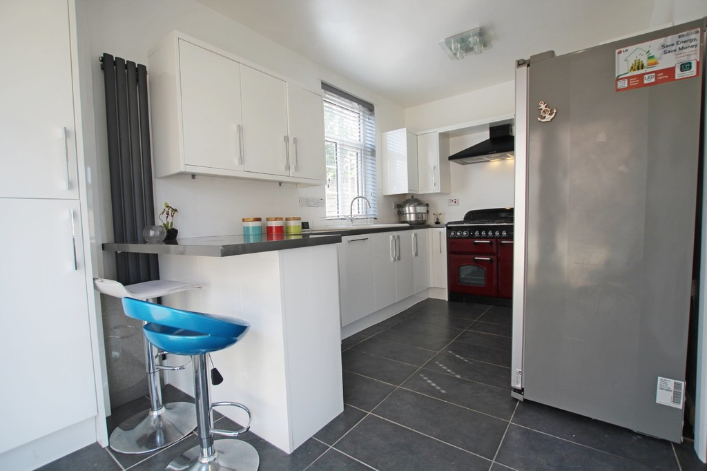 2 bedroom semi-detached house SSTC in Nelson - photograph 6.