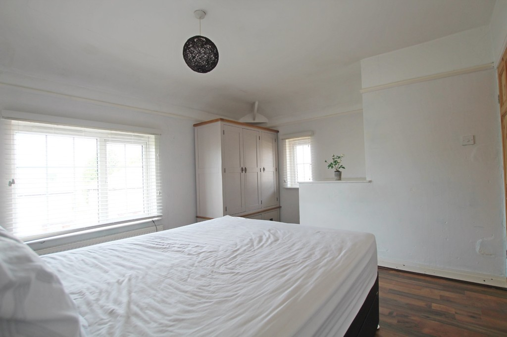 2 bedroom semi-detached house SSTC in Nelson - photograph 9.