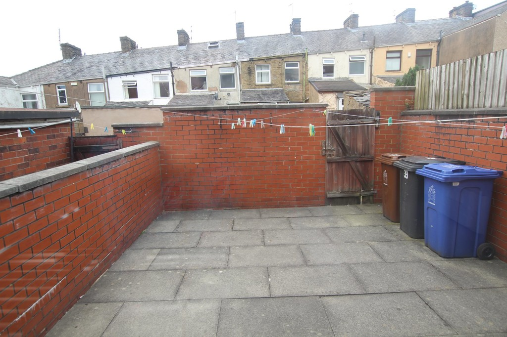 2 bedroom mid terraced house SSTC in Accrington - photograph 14.