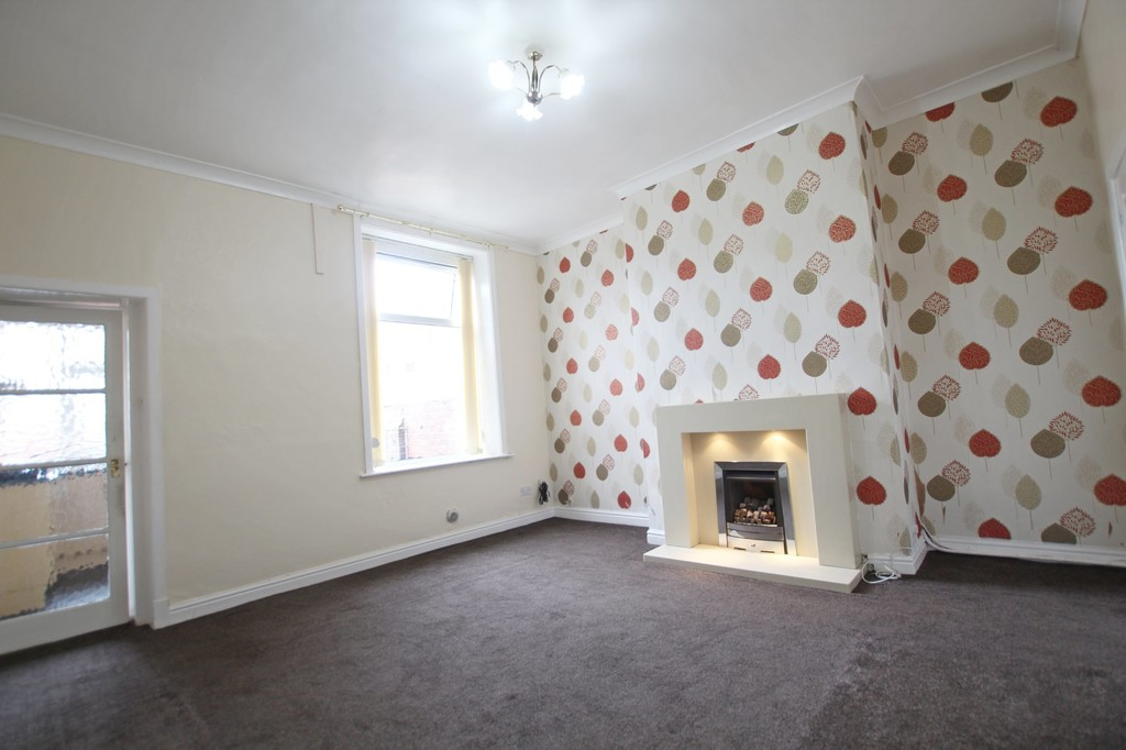 2 bedroom mid terraced house SSTC in Accrington - photograph 4.