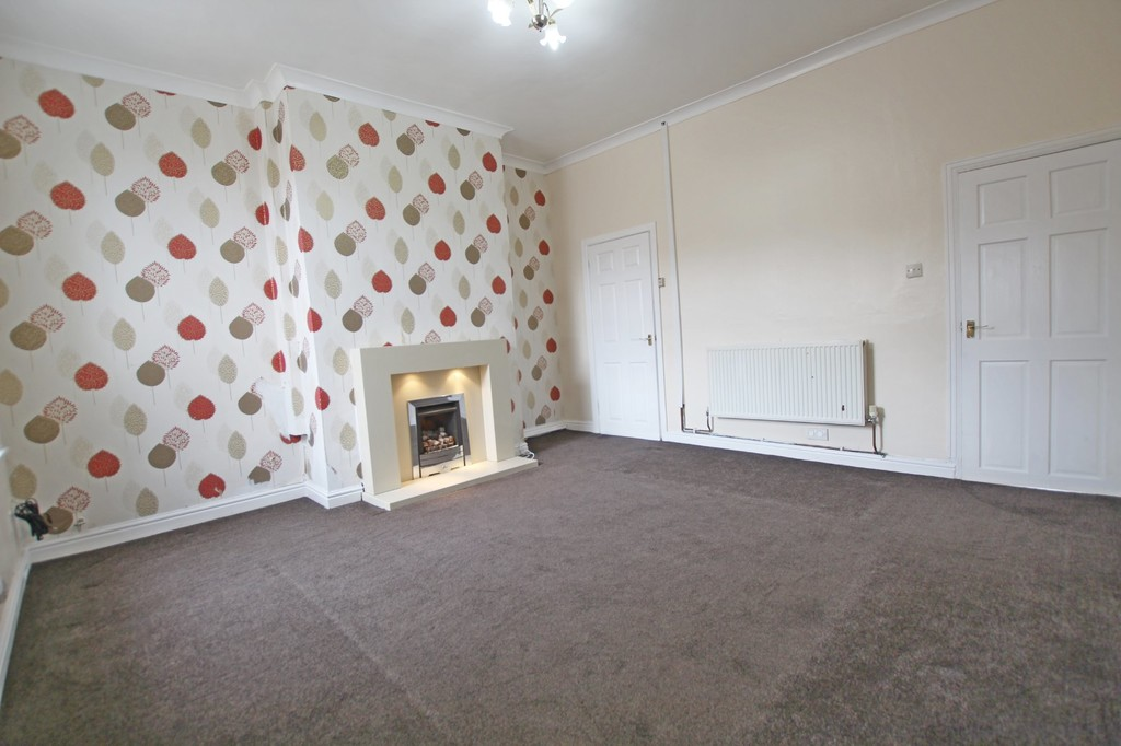 2 bedroom mid terraced house SSTC in Accrington - photograph 5.