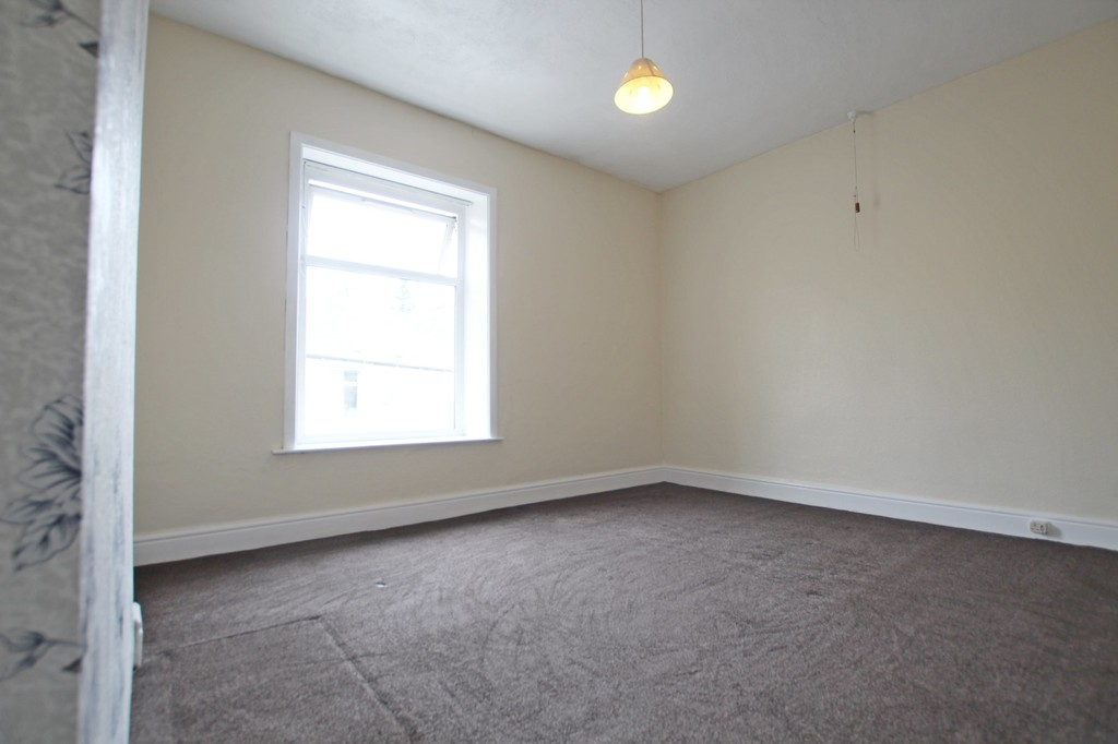 2 bedroom mid terraced house SSTC in Accrington - photograph 10.