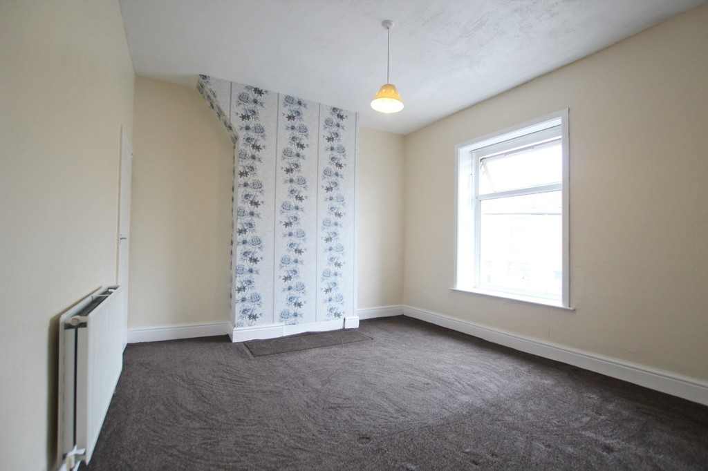 2 bedroom mid terraced house SSTC in Accrington - photograph 9.
