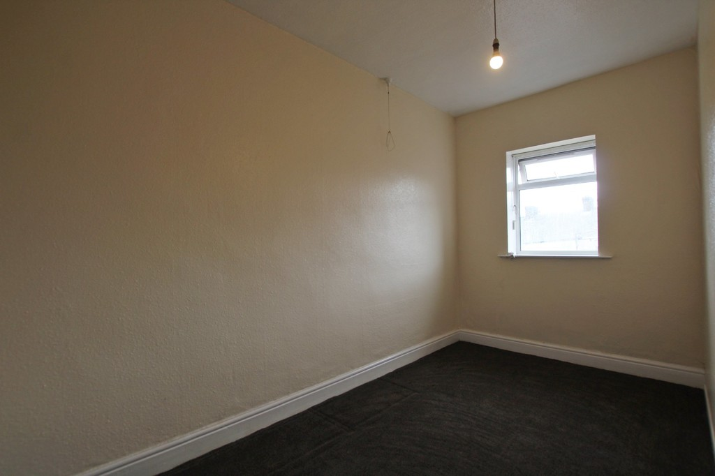 2 bedroom mid terraced house SSTC in Accrington - photograph 11.