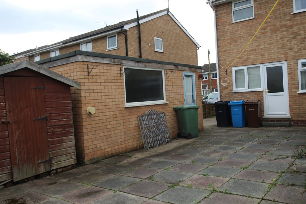 3 bedroom semi-detached house Let Agreed in Preston - photograph 14.