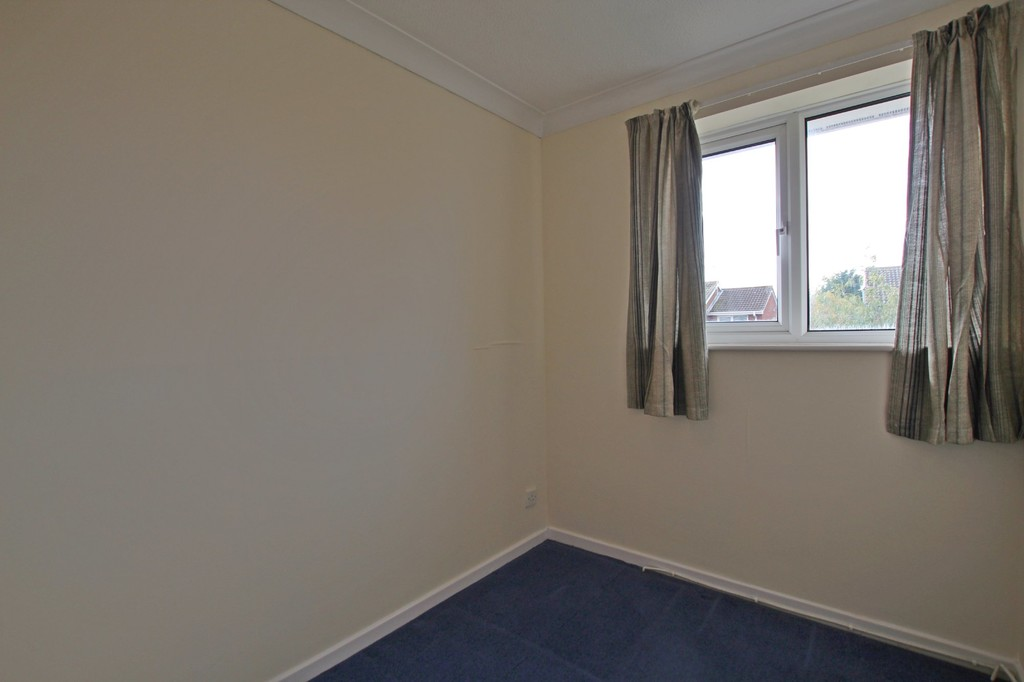 3 bedroom semi-detached house Let Agreed in Preston - photograph 10.
