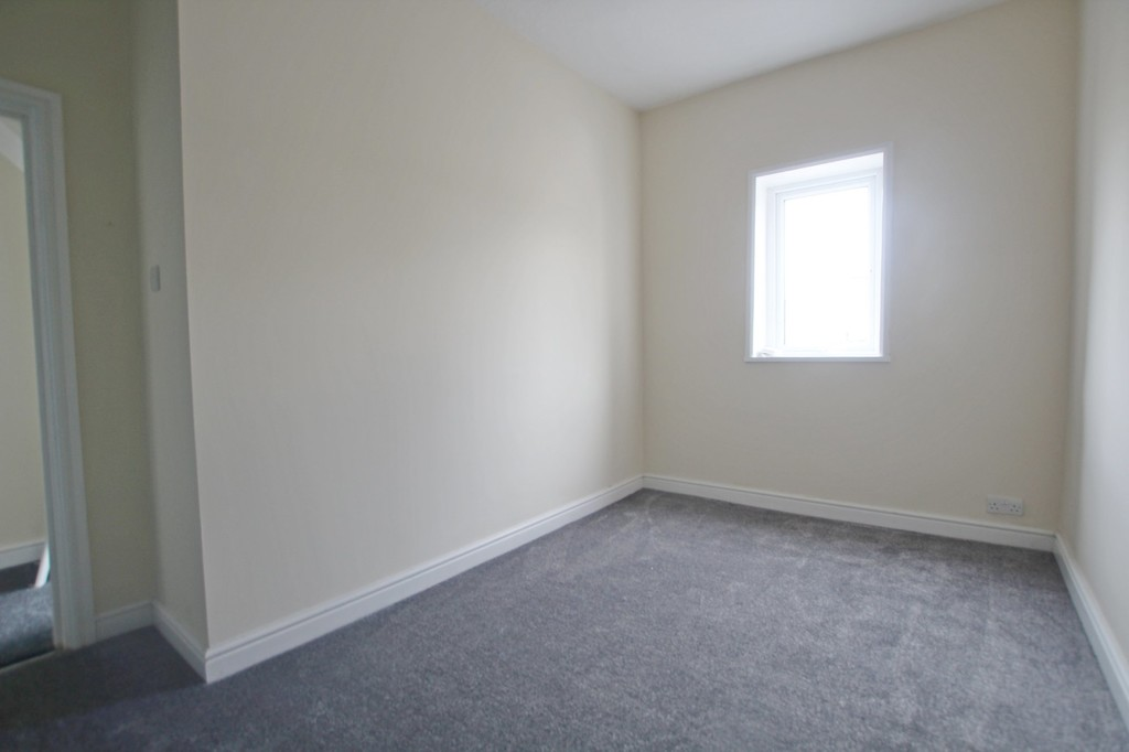 2 bedroom mid terraced house Let Agreed in Accrington - photograph 14.