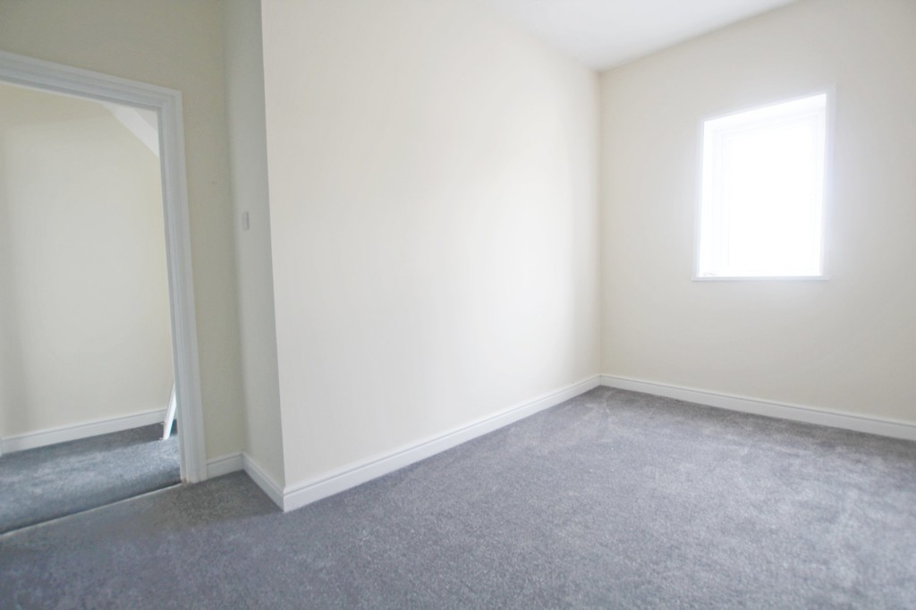 2 bedroom mid terraced house Let Agreed in Accrington - photograph 15.