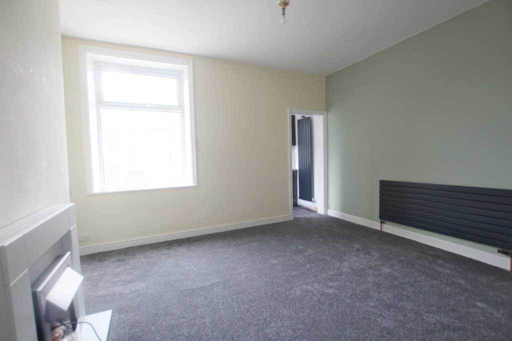2 bedroom mid terraced house Let Agreed in Accrington - photograph 16.