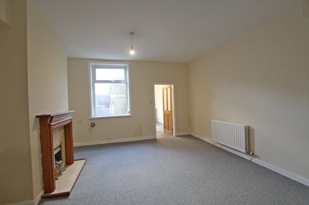 3 bedroom mid terraced house For Sale in Accrington - photograph 3.