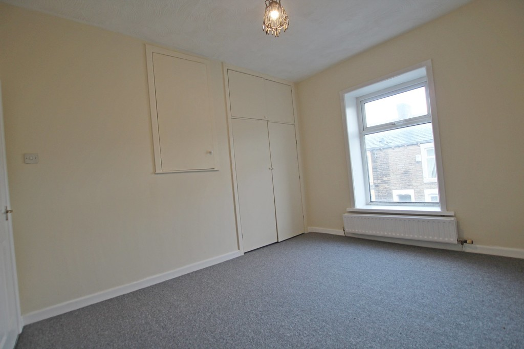 3 bedroom mid terraced house For Sale in Accrington - photograph 6.