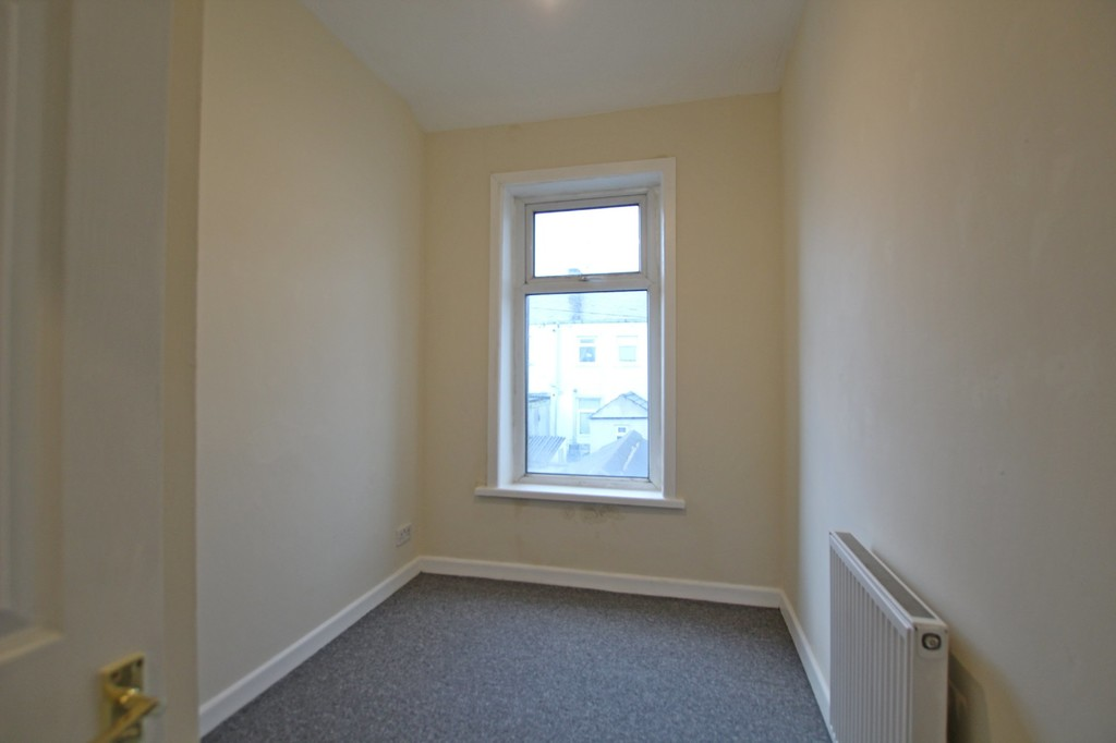 3 bedroom mid terraced house For Sale in Accrington - photograph 7.
