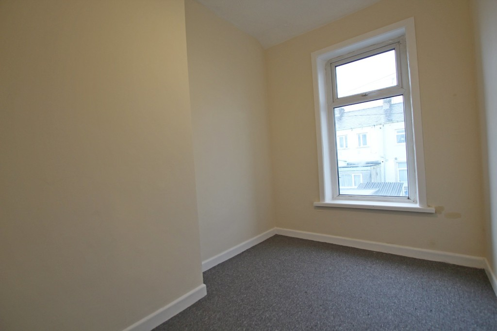 3 bedroom mid terraced house For Sale in Accrington - photograph 8.