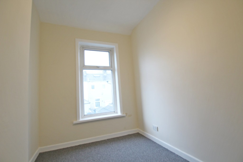 3 bedroom mid terraced house For Sale in Accrington - photograph 9.