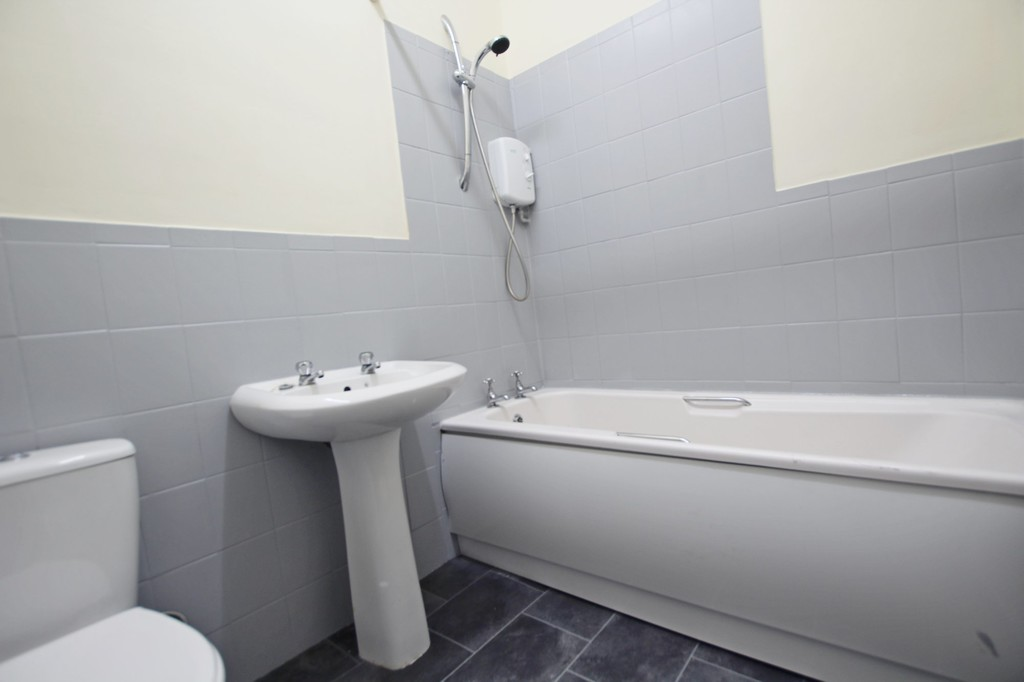 3 bedroom mid terraced house For Sale in Accrington - photograph 10.