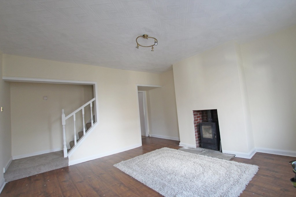 3 bedroom mid terraced house Let Agreed in Accrington - photograph 3.