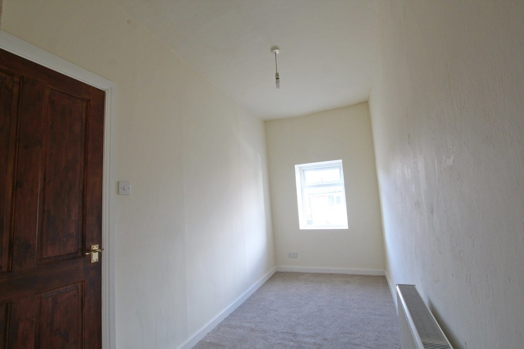 3 bedroom mid terraced house Let Agreed in Accrington - photograph 6.
