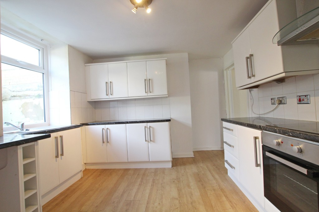 3 bedroom mid terraced house Let Agreed in Accrington - photograph 5.