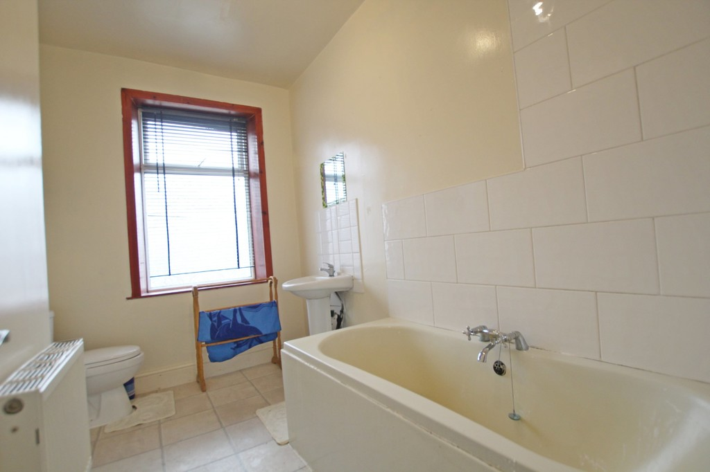 2 bedroom mid terraced house Let Agreed in Accrington - photograph 9.